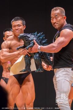 【2018東京オープン モストマスキュラー賞】70kg級優勝 (5)野口将汰(22才)*プレゼンター:角田信朗