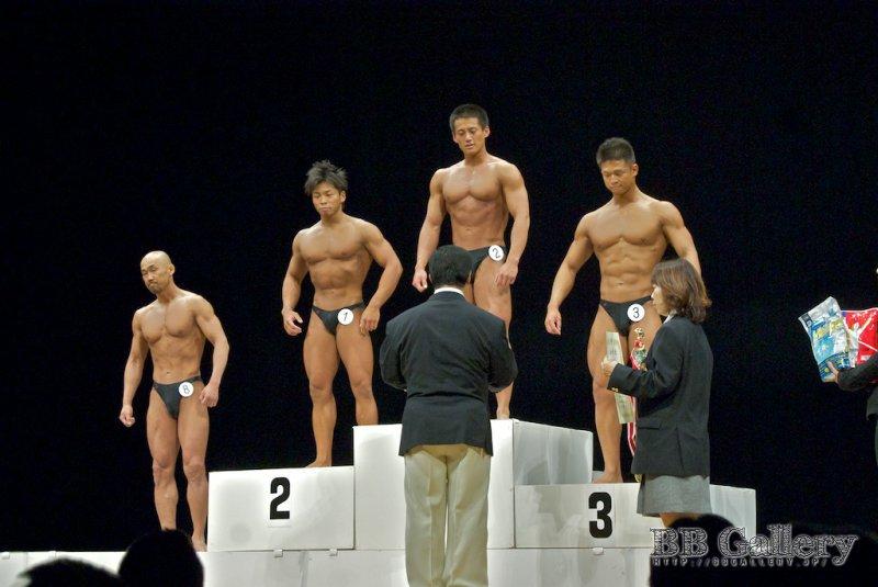 (8)長井弘和(42才)、(1)田中裕介(28才)、(2)木村潤平(25才)、(3)山澤圭介(21才)