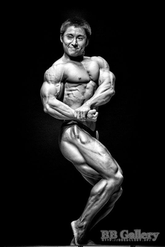 鈴木雅選手(2010年日本クラス別ボディビル選手権男子80キロ級)